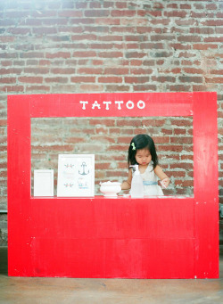 rustysundays:  stick on tattoo stand