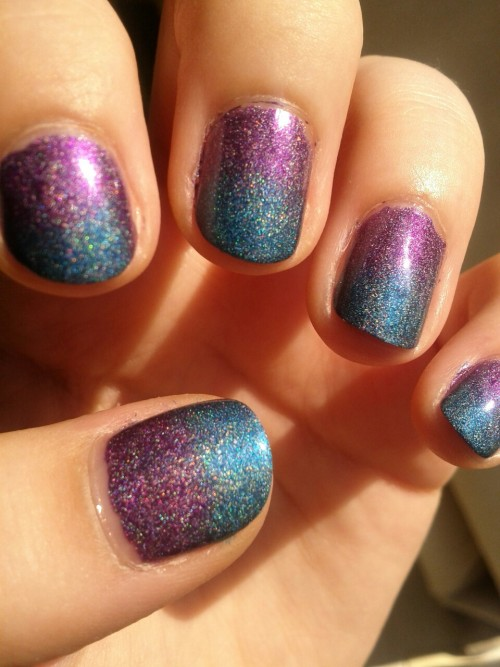 NOTD. Holographic gradient using Techno Teal and Virtual Violet by China Glaze