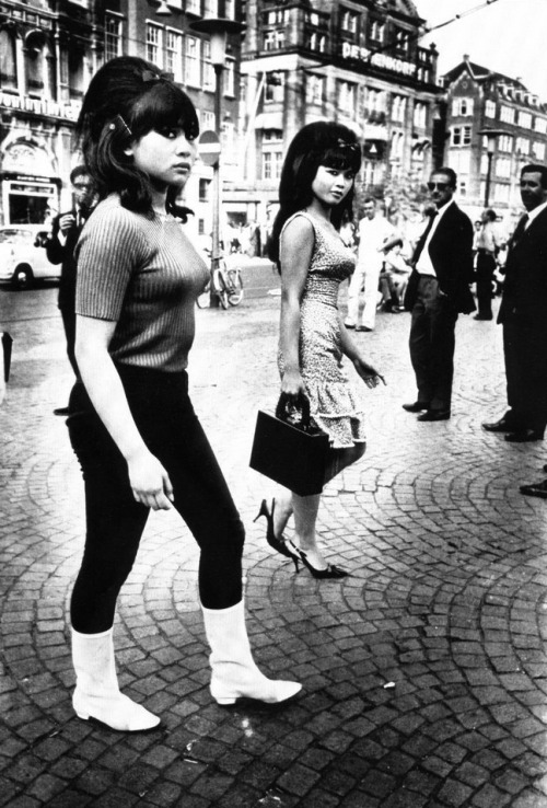 vanillaandlavender:  bad-dominicana:   Two Indonesian girls in Amsterdam, 1966. Photography by Ed van der Elsken.  WOC. stylin on you since forever.  can we all take a moment out of our busy lives to appreciate the combination of skill and fierceness it took to make those beehives happen?