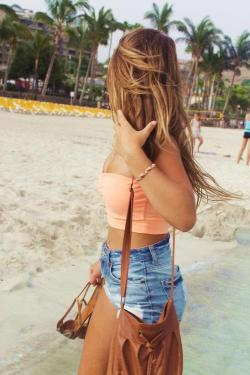tanned-and-blonde:  Tired of not having enough summer on your dash? Follow me: tanned-and-blonde for summer all the time and ask me to check out your blog!