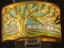Tree of life ring in 18 kt gold with enamel and diamonds, Masriera design.
