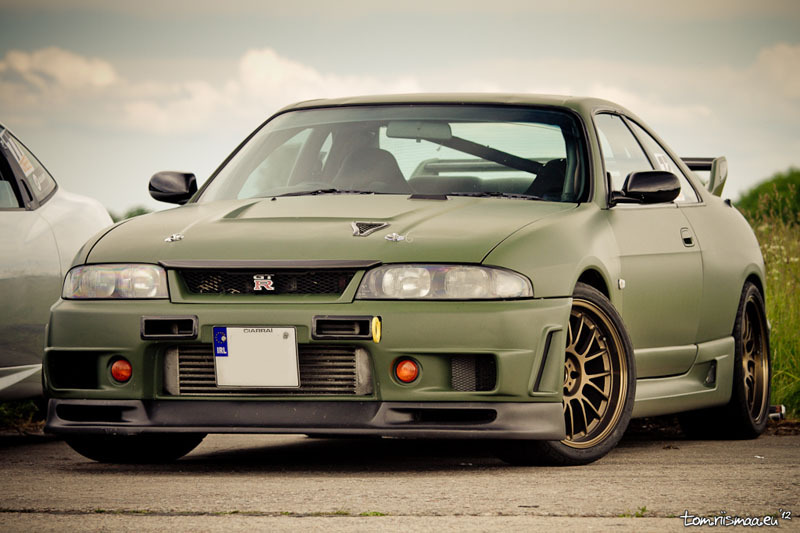 THURSDAY SHOUTOUT - R33 Skyline GT-R - JULY 5, 2012 (via Speedhunters)