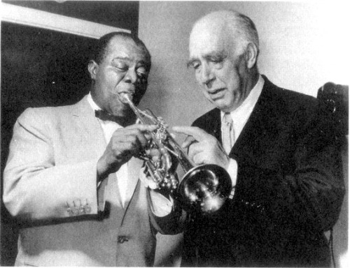 awesomepeoplehangingouttogether:  Louis Armstrong and Niels Bohr, Copenhagen, 1959