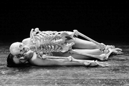 frenchtwist:  via foxesinbreeches:  Nude with skeleton by Marina Abramovic, 2002-05 [crop] (Thanks to fette for the link)