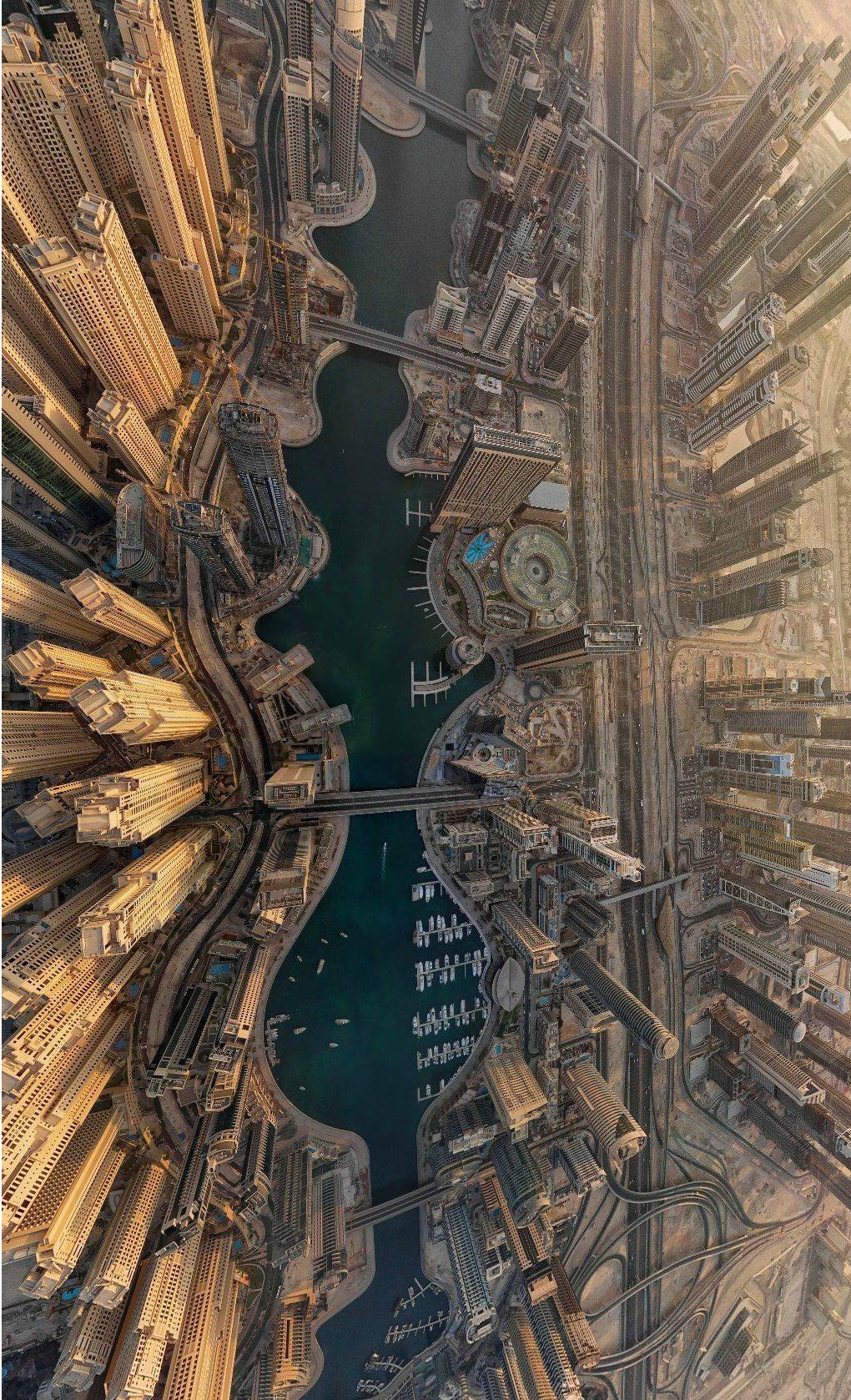 lsaac:  Dubai Marina pictured from above