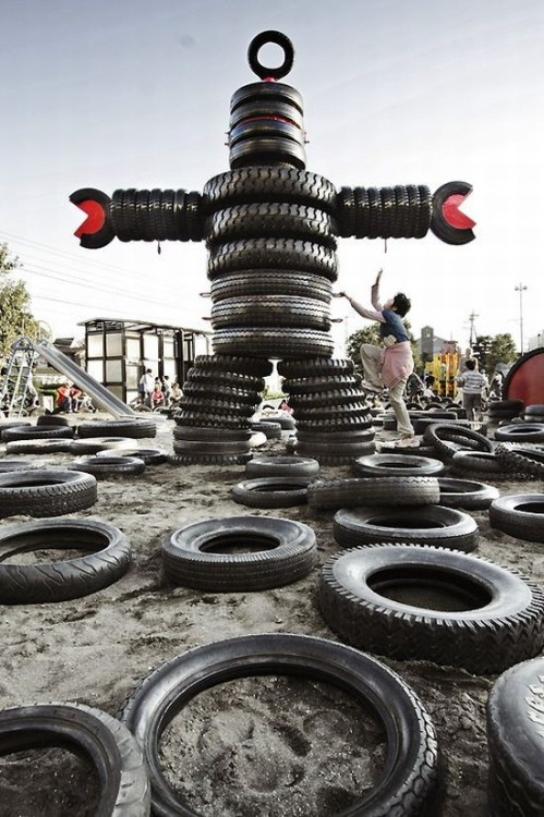 repurposedgoods:  Great photo and ever better playground made of TIRES! This robot needs to be in my backyard protecting the hydrangeas.  playgroundparents:  Source: blogs.babble.com via Playground Parents on Pinterest