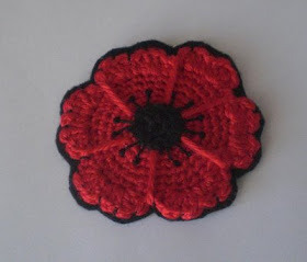 (via Crochet Cute: Free Pattern - Crocheted Poppy Flower Coasters)