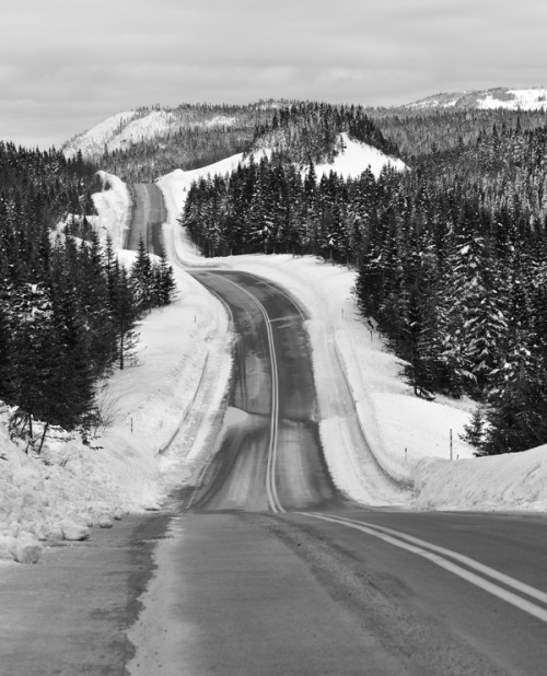 archenland:  Winter Roads, Quebec (by Peter Bowers)