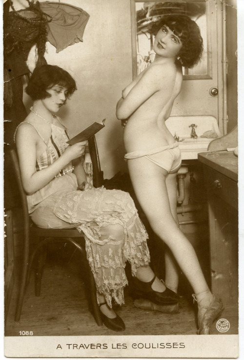 wickedknickers:  Dancers in their dressing room…