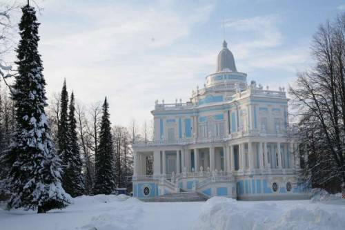 courtroyale:  Oranienbaum Palace in Russia built in 1710 for Alesandr Danilovich Menshikov.