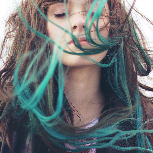 "Cre: weheartit I would like to dye me hair like this some day but with purple instead haha :"">"