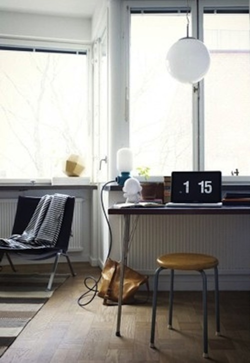 Source: Emmas Blog Love that retro style flip clock. You can pick one up on Amazon for a decent price or check out this cool orange one here.