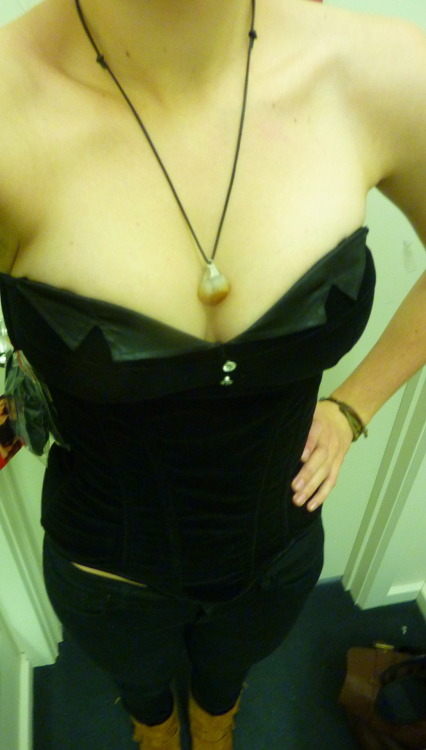 Should I buy this top/corset?