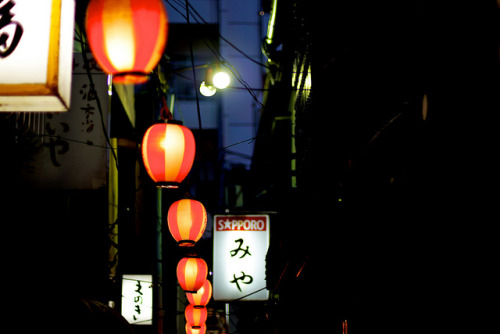 kuroyuki:  The Bustling Street by wolfives (Busy) on Flickr.
