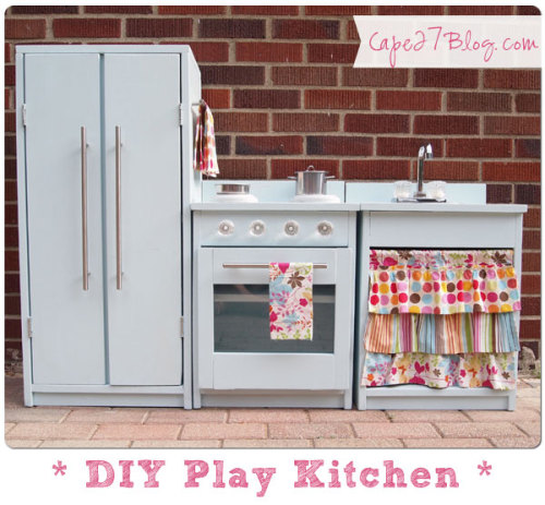 plumetisbazaar:  DIY Play Kitchen (via Cape 27)