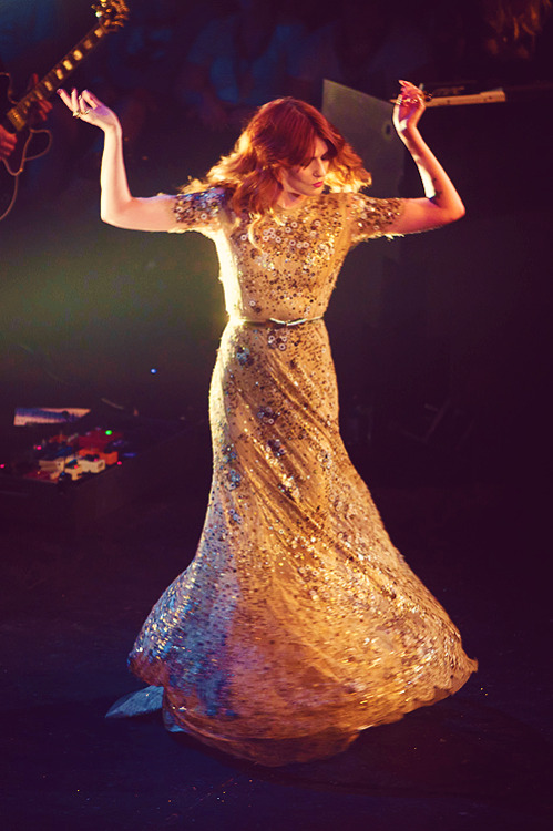25/50 pictures that prove Florence Welch is a fairy