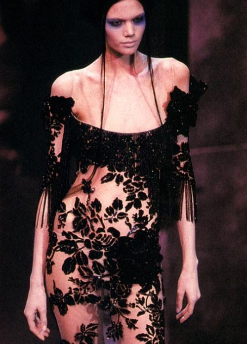 idreamofaworldofcouture:     Diana Gartner at Givenchy Haute Couture Spring/Summer 2000 by Alexander McQueen