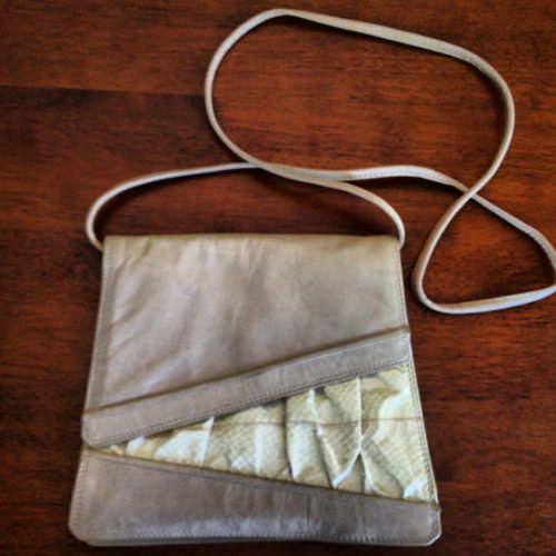 (via Vintage TwoToned Leather Crossbody/Clutch by LovelyAtYourSide)