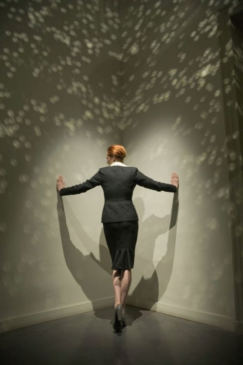 Tilda Swinton creates an interdimensional portal.