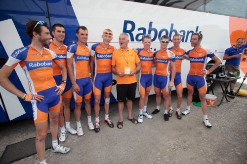 Tour de France 2012 The Rabobank squad with their bus driver who is taking part in his twentieth Tour! (via Tour de France 2012)