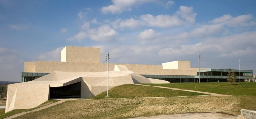 AVILA: Centro de Exposicion y Congresos, by Francisco Mangado architect.Love-Spain