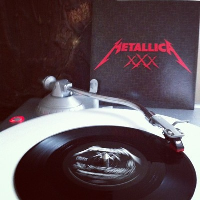 "#nowlistening to #metallica's 'through the never' b/w 'so what' live 7"". this came in the #metalhammer metallica 30th anniversary magazine. #vinyl #vinyligclub #records #45s #nowplaying  (Taken with Instagram)"