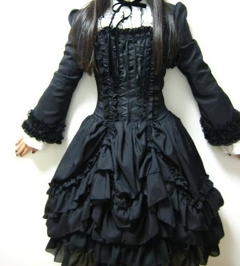 missingsisterstill:  I think gothic lolita style dress