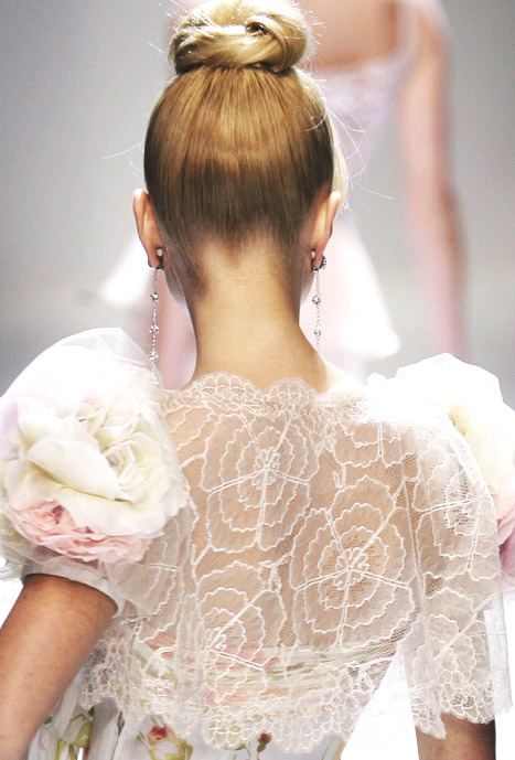 somethingvain:  valentino haute couture s/s 2007