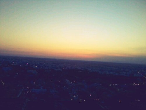 Sunset🌙#streamzoo #sky #sun #sunset #allshots #awesome #India #Hipstamatic #HDR #dslr(from @raghulsam on Streamzoo)