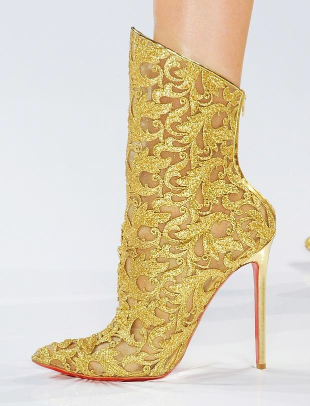 Wanted: Full lace, sparkly golden booties from Alexandre Vauthier's fall 2012 couture collection.   BlogLovin'   :     Twitter    :    Instagram: TheBlondeJournal