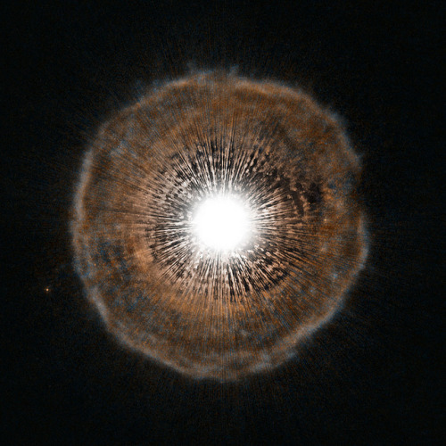 Hubble Sees Red Giant Blow a Bubble by NASA Goddard Photo and Video on Flickr.