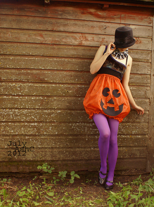 PumpkinScreams (XS-XL) by obsequies on etsy