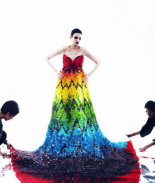 Yummers!  laughingsquid:  Full-Length Rainbow Gown Created Out of 50,000 Gummy Bears