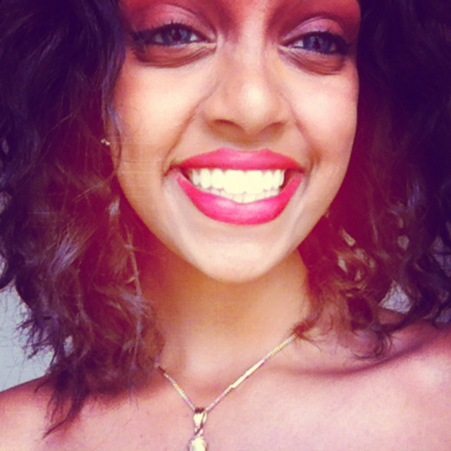 dopest-ethiopian:  Just smile, it's prettier :)