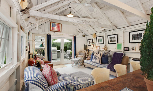 georgianadesign:  East Hampton Village barn. James McAdam Design.