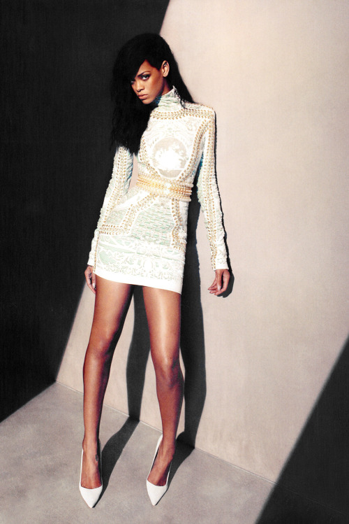kzubi:  Riri in a Balmain dress
