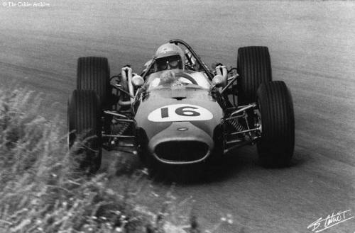 Jack Brabham / Dutch Grand Prix, 1966. Taking the lead on his Brabham-Repco BT19. Photo by The Cahier Archive.