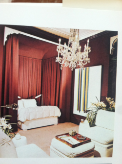 California bedroom by Billy Gaylord 1972. Crazy how it still looks so fresh. Walls are upholstered in fabric.