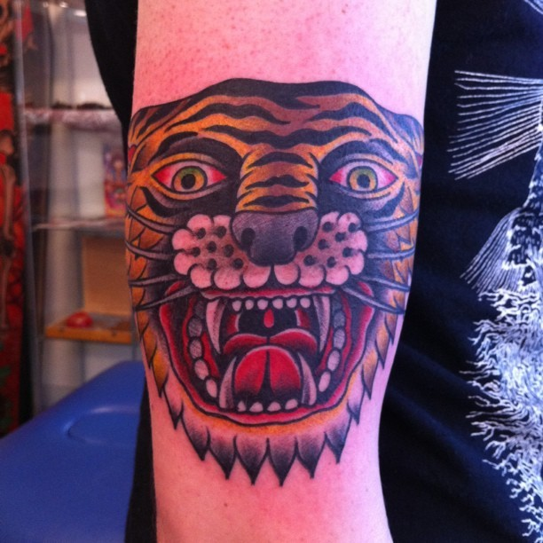 jellesoos:  Tiger friday! (Taken with Instagram at Hardline Tattoo Tilburg)