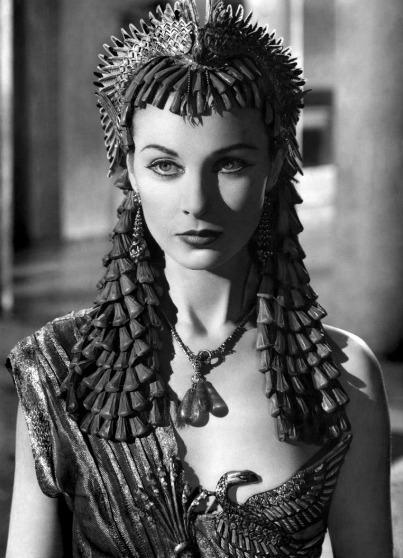 "Vivien Leigh as ""Cleopatra"" in the film Caesar and Cleopatra (1945). During filming, Leigh discovered she was pregnant. Soon after the big news she suffered a miscarriage, which might've been due to treatments for a recent case of tuberculosis in her left lung. Already suffering from uncontrollable violent outbursts and great stress from an unknown mental condition everyone preferred to ignore (mental problems that plagued women were viewed as taboo and shameful), Leigh spiraled into depression after the loss."