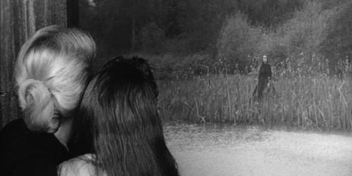 The Innocents (1961) ——- click here to watch the scariest scenes from he Innocents