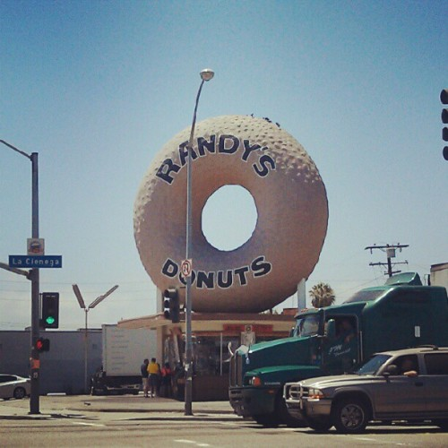 hexsagon:  #dilla #jaydee #randy #lenny #donuts #inglewood #ca (Taken with Instagram)