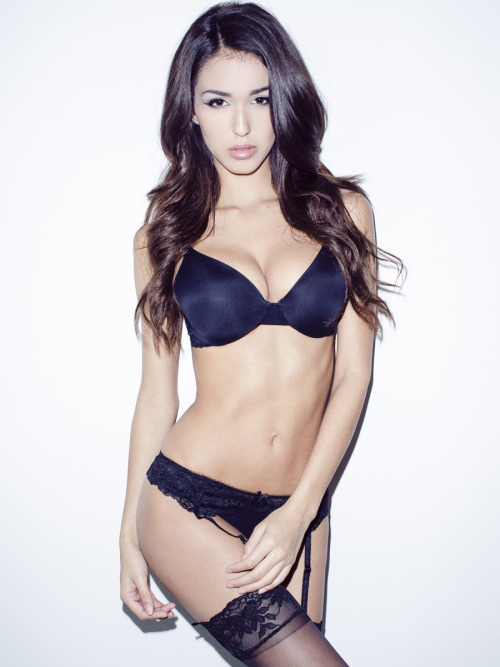 ashleysky:  ASHLEY SKY TUMBLR | TWITTER | FACEBOOK | YOUTUBE |  INSTAGRAM  Photo by Nick Suarez