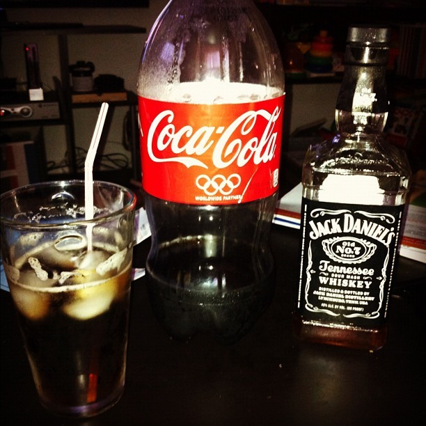 #JackDaniel's #Whiskey #OldNo.7 #CocaCola #tallglass long week it's #friday relaxing home.  (Taken with Instagram)