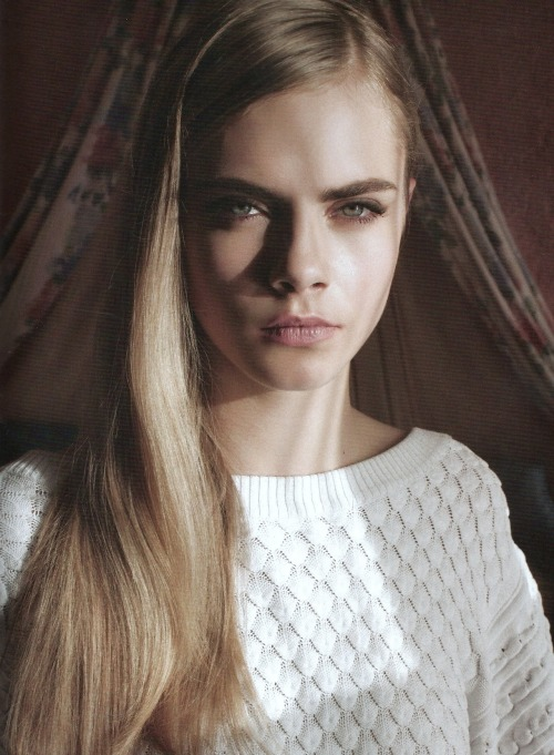 Cara Delevingne in Love out of lust by Annabel Mehran for Lula #14