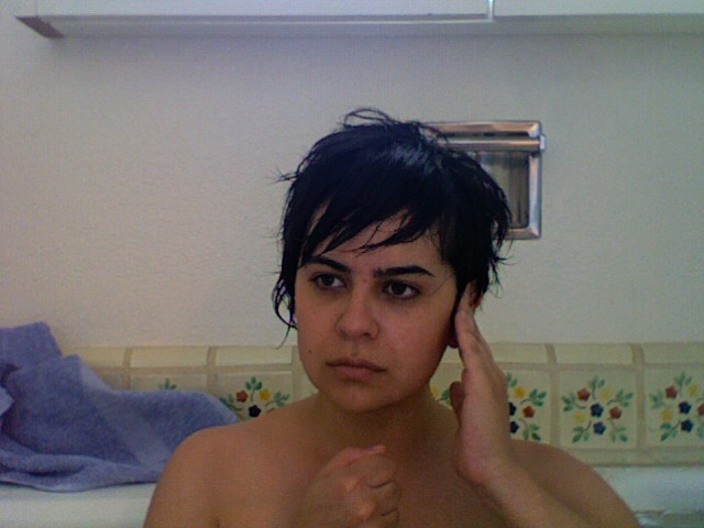 natashavc:  REPORTING LIVE, FROM A BATH TUB.  This is already more compelling than THE NEWSROOM.
