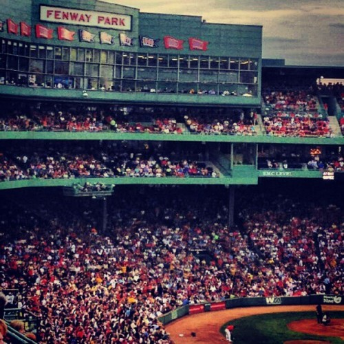 goincoastal:  red sox yankees! (Taken with Instagram)