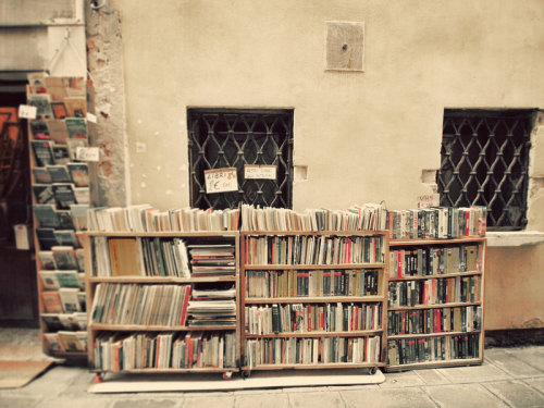 mplans:  A small bookshop in Venice <3 -Happeemonkee Fine art photography.-