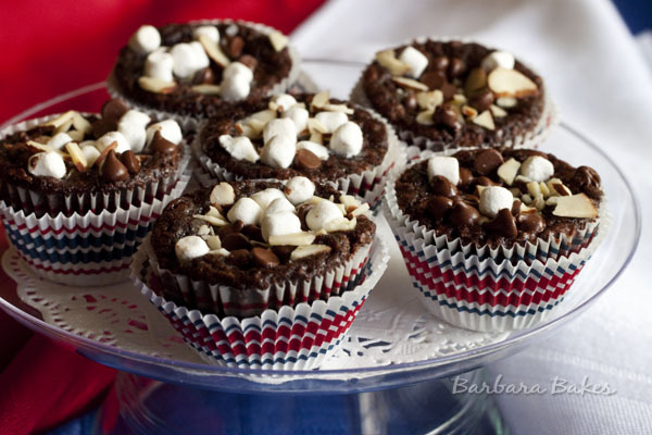 (via Rocky Road Brownie Bites Recipe | Barbara Bakes)