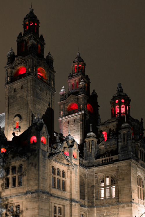 bluepueblo:  Lights, Glasgow, Scotland photo by benchristian